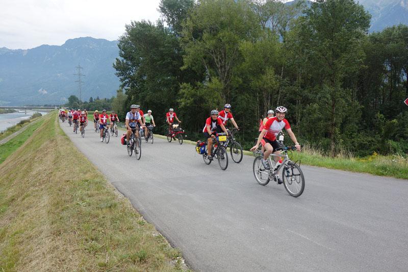 Fahrradfahrer der Reha Bädertour 2016